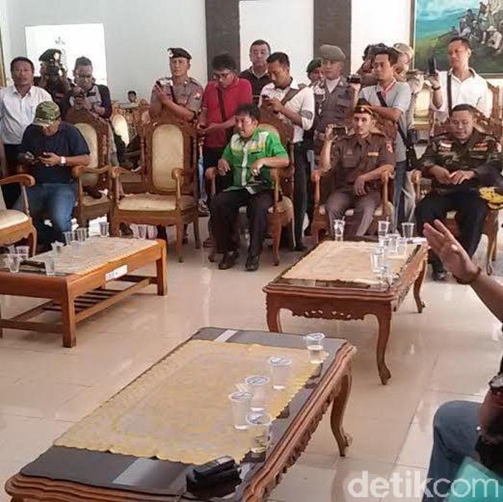 Tolak Hentikan Aktivitas HTI, Bupati Jember Terancam Diinterpelasi Tiga Fraksi