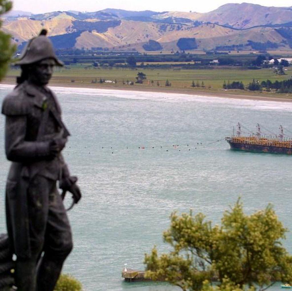 Peneliti Temukan Puing Kapal Layar Milik Penjelajah James Cook