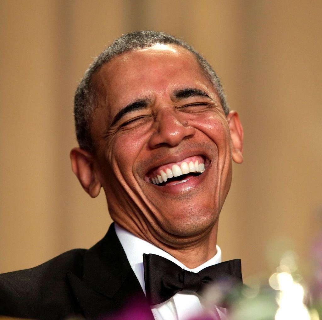 Gelak Tawa Hadirin Saat Obama Bikin Lelucon Soal Hillary Clinton
