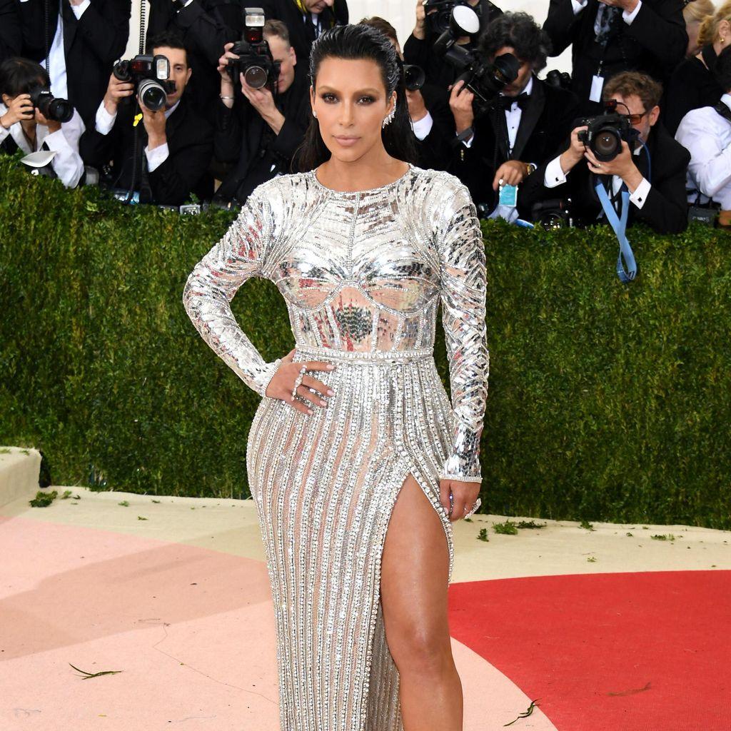 Kim Kardashian Cari Beauty Vlogger untuk Tampil di Reality Show Terbarunya