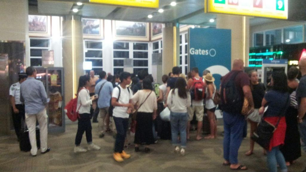 Ditutup 4 Jam, Begini Suasana Terminal Bandara Ngurah Rai Malam ini