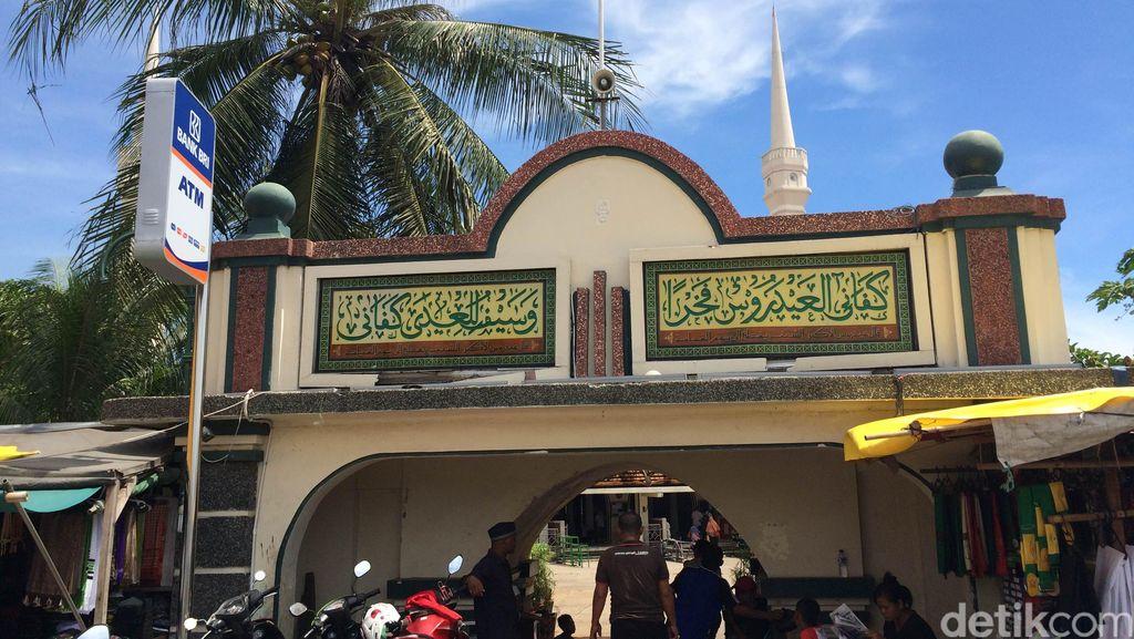 Tokoh Luar Batang Tak Mau Sebutan Wisata Religi untuk Area Masjid