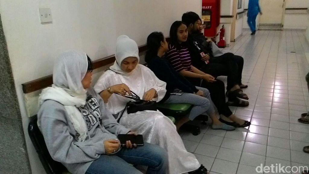 Tokoh Nasional Melayat Tuty Alawiyah di Rumah Duka