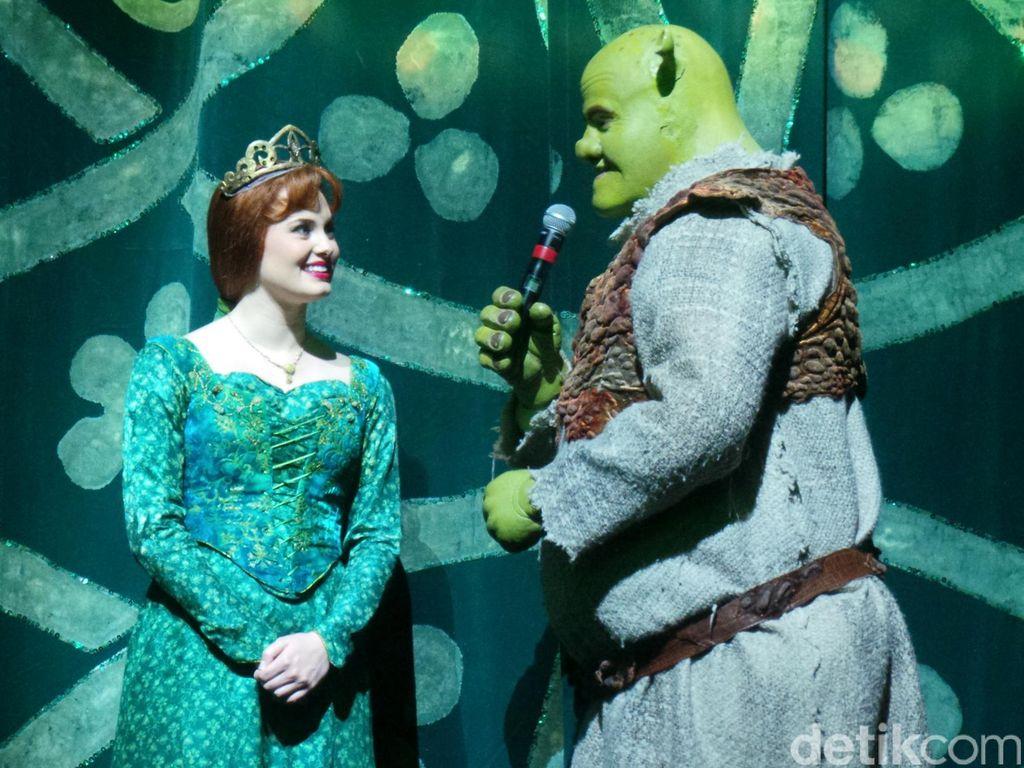 Kejutan di Pentas Shrek the Musical Jakarta