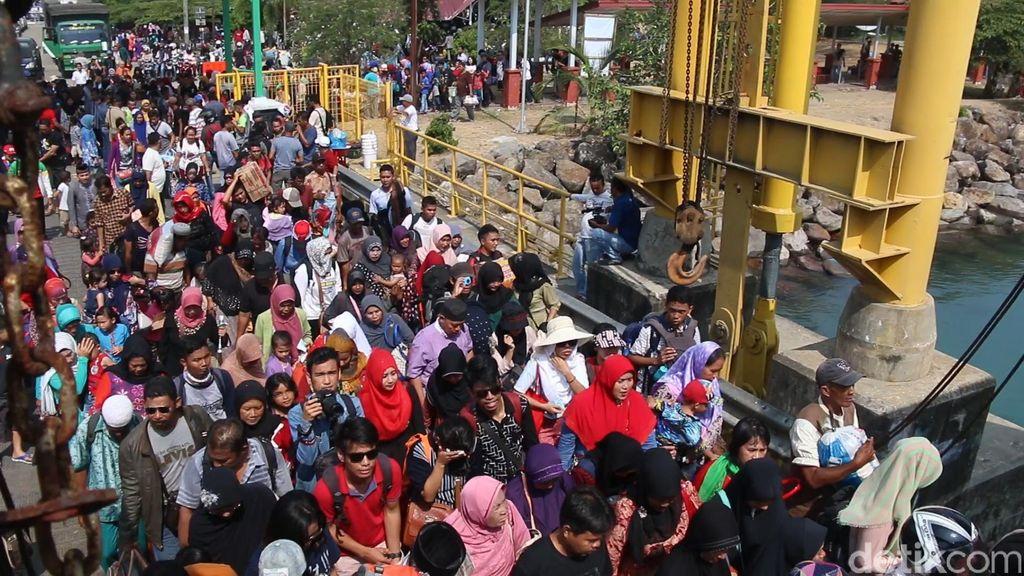 Ribuan Wisatawan Berlibur ke Sabang, Jadwal Kapal Ditambah Tanpa Batas