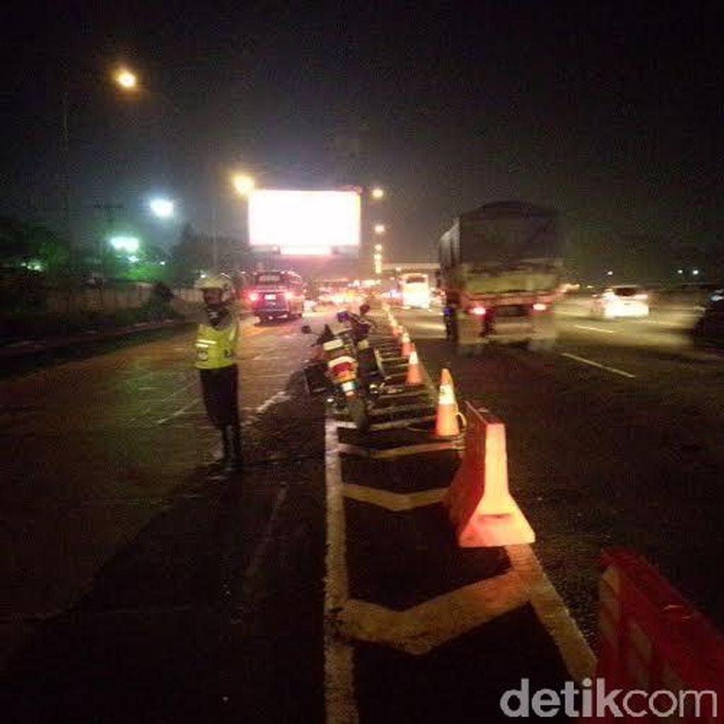 Volume Kendaraan Masih Padat, Rest Area Tol Cikampek Diberlakukan Buka Tutup