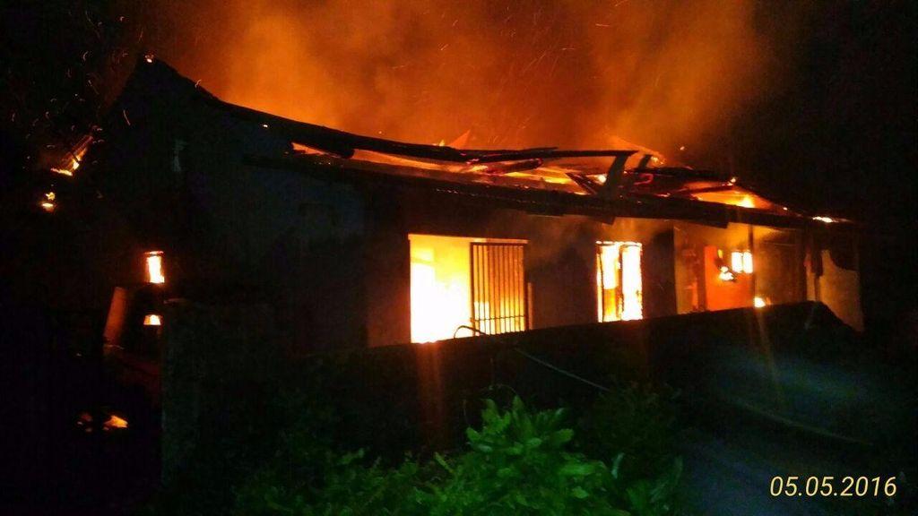 Rumah Kontrakan 5 Pintu di Sawangan Terbakar, 1 Tewas