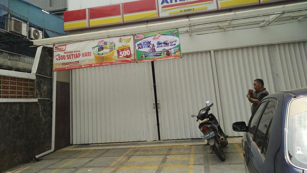 Mini Market di Kebayoran Baru Kemalingan, Pelaku Gasak Rokok dan Susu