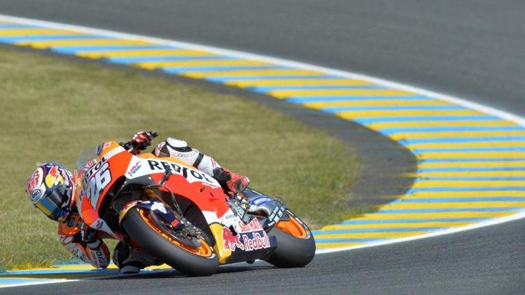 Kejutan, Pedrosa Asapi Rossi dan Jadi Juara