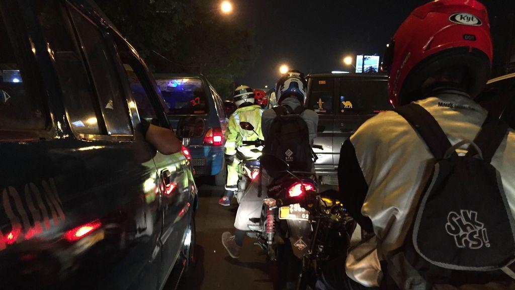 Arus Balik Libur Panjang, Tol Jagorawi dan Cikampek Arah Jakarta Mulai Antre