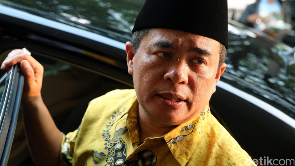 Akom: Presiden Tepat Pilih Airlangga Hartarto Jadi Menperin