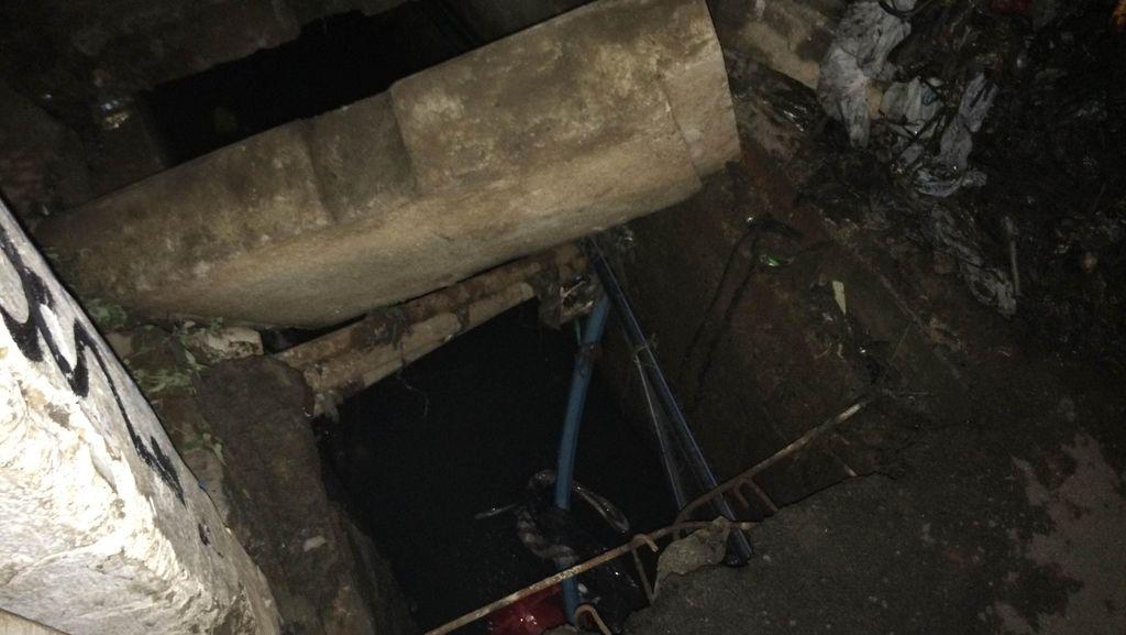 Balita di Ciputat yang Hanyut Diduga Terpeleset Saat Bermain di Gorong-gorong