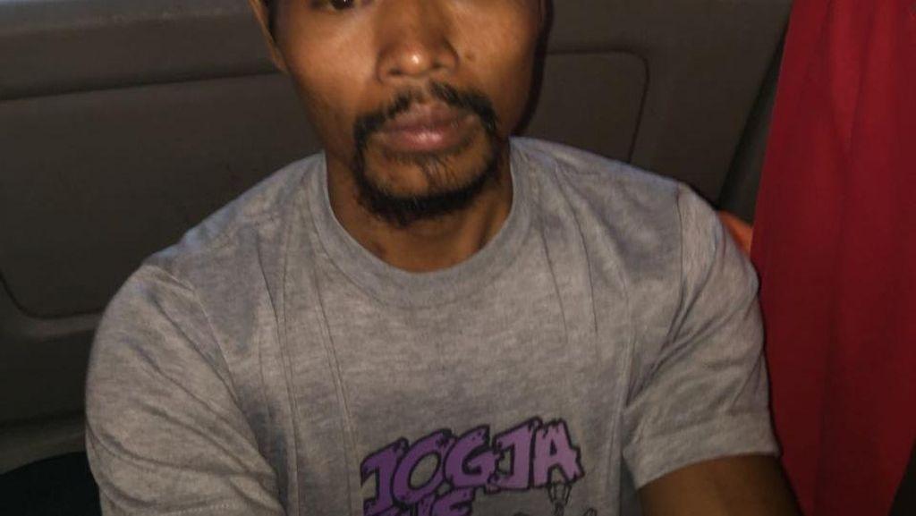 Polisi Dalami Kemungkinan Komunitas di Balik Penusuk Laki-laki di MM 2100