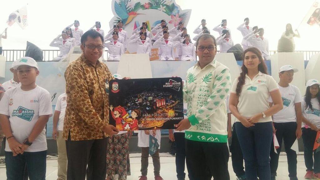 Pemkot Makassar Luncurkan 312 Ribu Kartu Pintar Pelajar