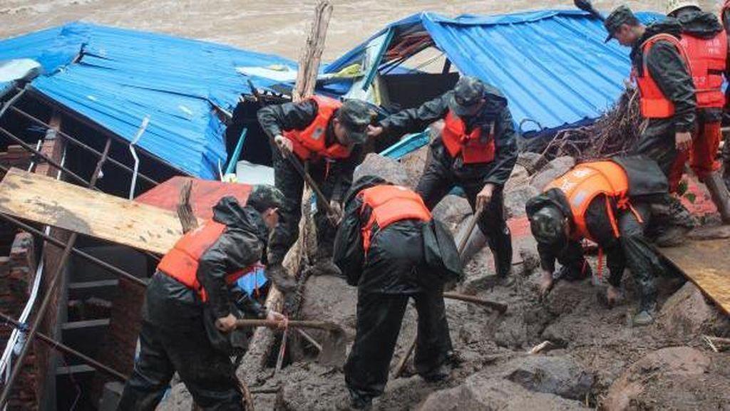 41 Orang Hilang Usai Tanah Longsor di China