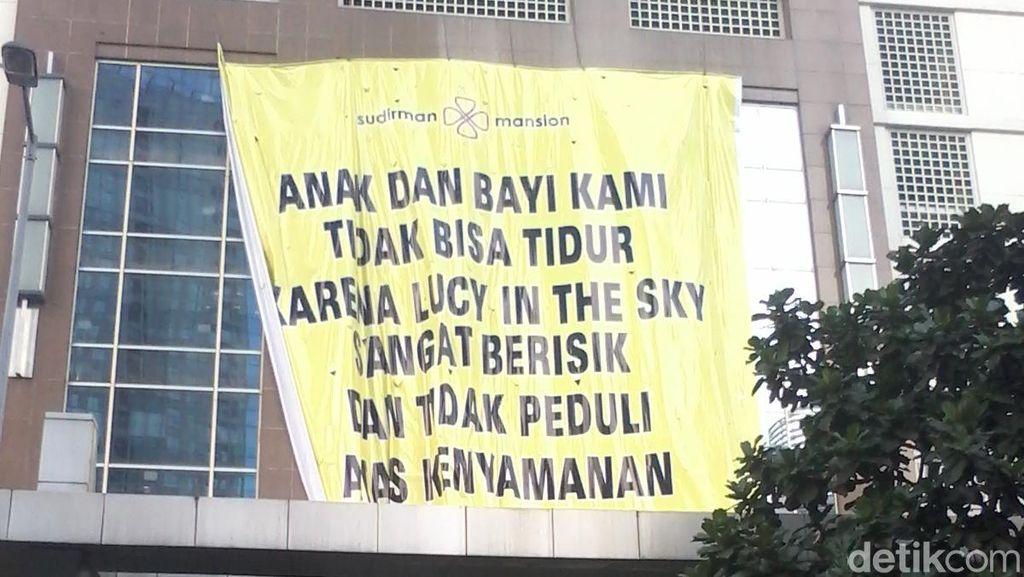 Warga Sudirman Mansion dan Lucy in The Sky Masih Panas