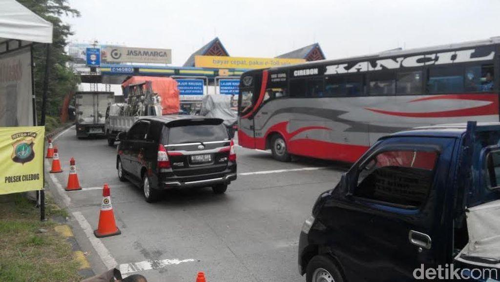 Kemacetan Kerap Menyergap di Gerbang Tol Karang Tengah, Apa Solusinya?