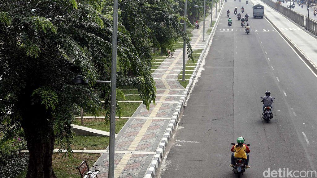 Ahok Minta Pengembang Wajib Urus Trotoar di Jakarta