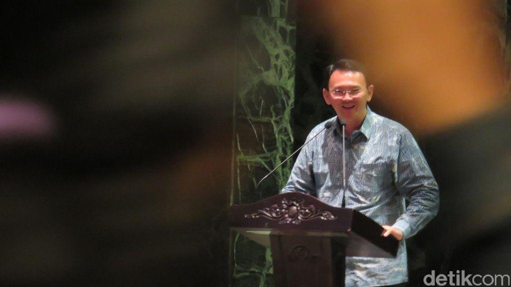 Ahok Sebut Ada Oknum RW yang Jadi Makelar Lapak di Jakarta Barat