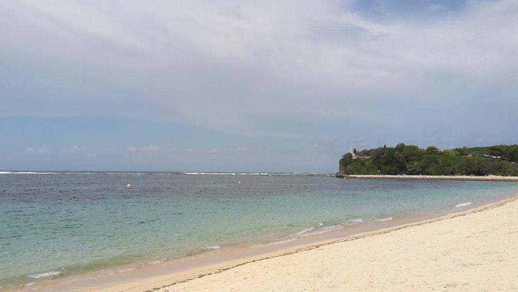 3 Turis China Dirampok 2 Pria Bersenjata Tajam di Pantai Pasir III Jayapura