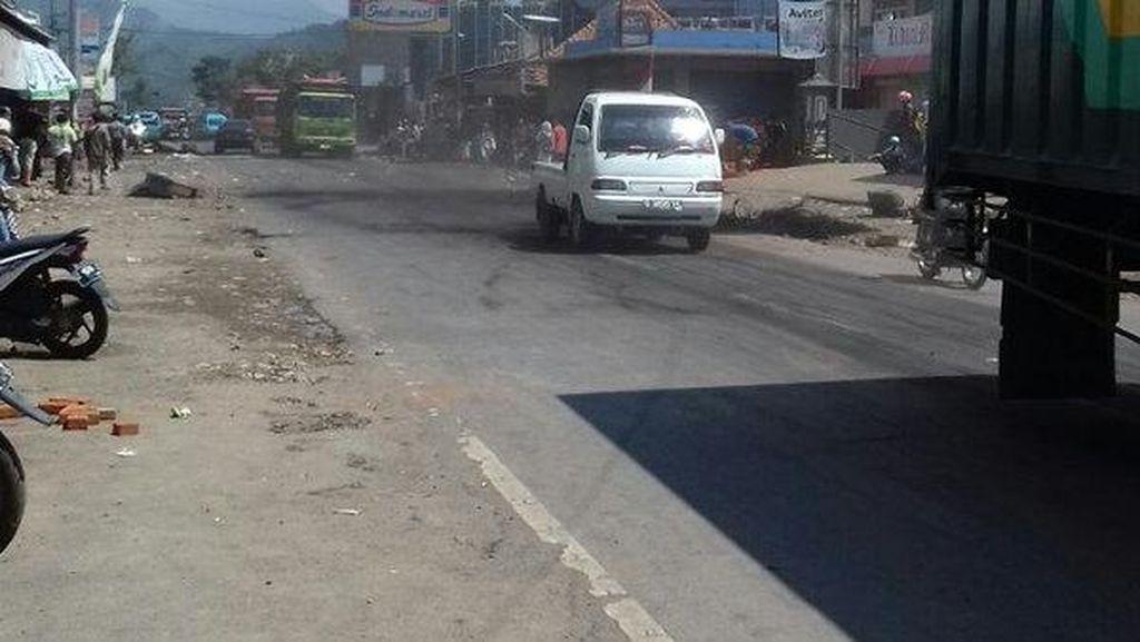 Jalur Nagreg-Limbangan Sudah Normal, Polisi Buka Jalan yang Diblokir Pedagang