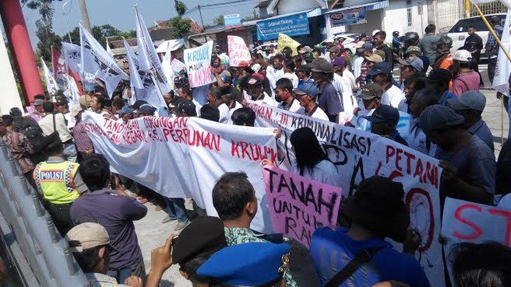 Petani Perkebunan di Blitar Tuntut Penghentian Kriminalisasi Sengketa Lahan