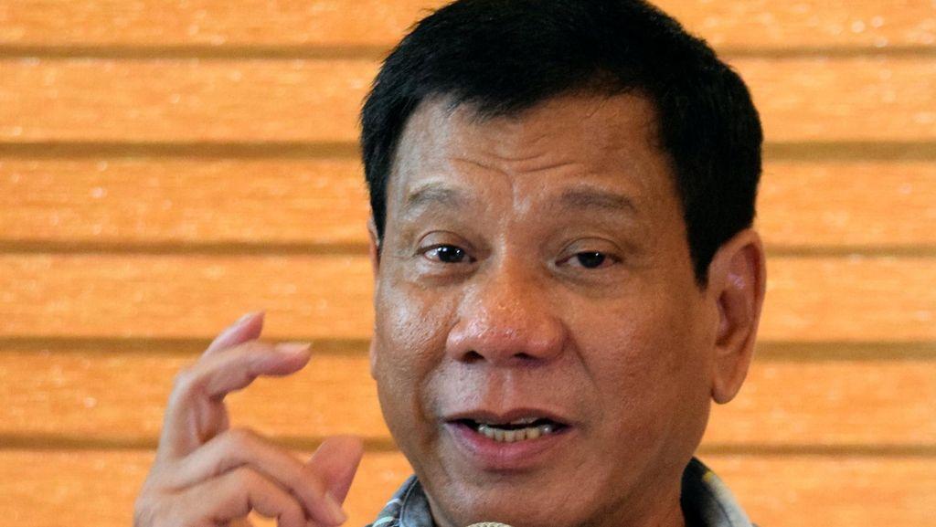 Presiden Rodrigo Duterte Lontarkan Kata-kata Kasar pada Uskup Filipina