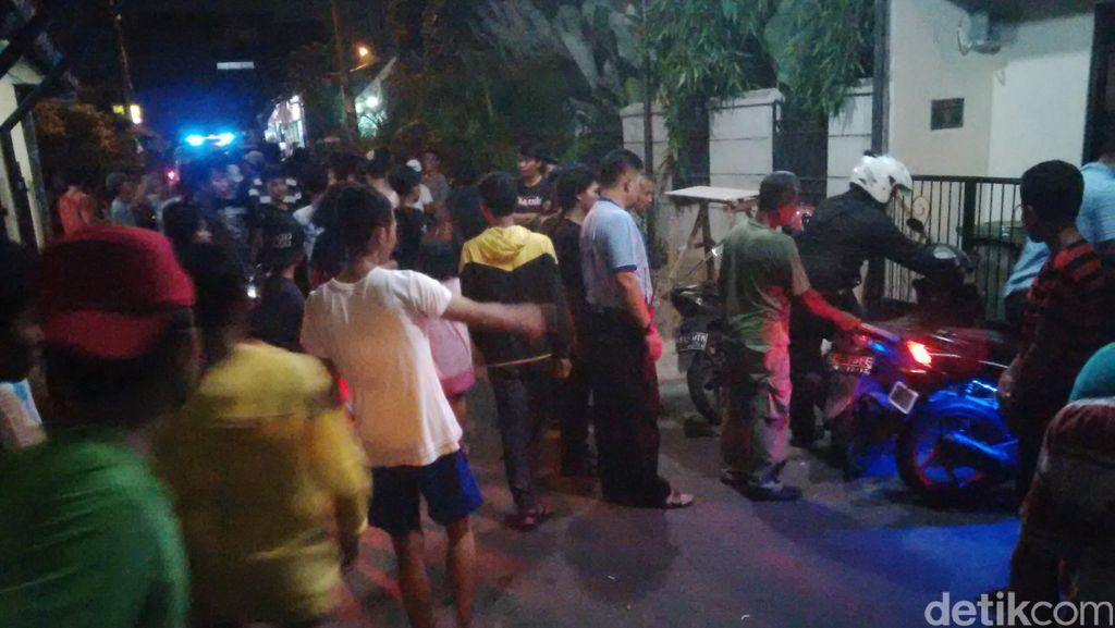 Tepergok Curi Motor di Cipulir, Pemuda ini Dipukuli Warga