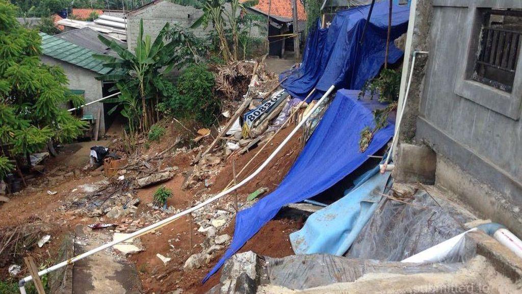 Jalan yang Kena Longsor Belum Diperbaiki, Akses Warga Tanjung Barat Terganggu