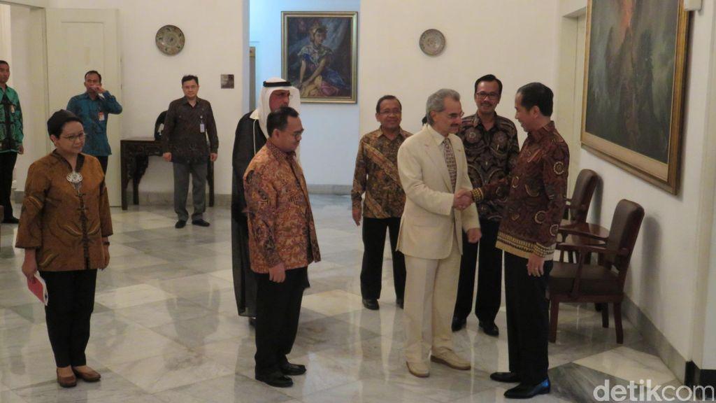 Presiden Jokowi dan Pangeran Alwaleed Bahas Pembangunan RS Indonesia di Arab
