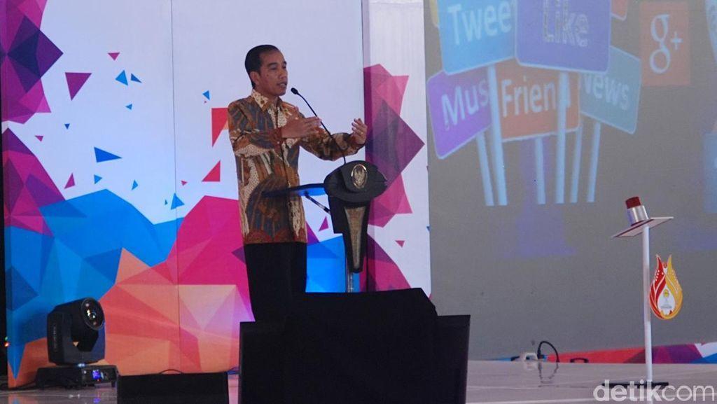 Belum Terima Konsep MenPAN RB, Jokowi: Rasionalisasi PNS Secara Alami
