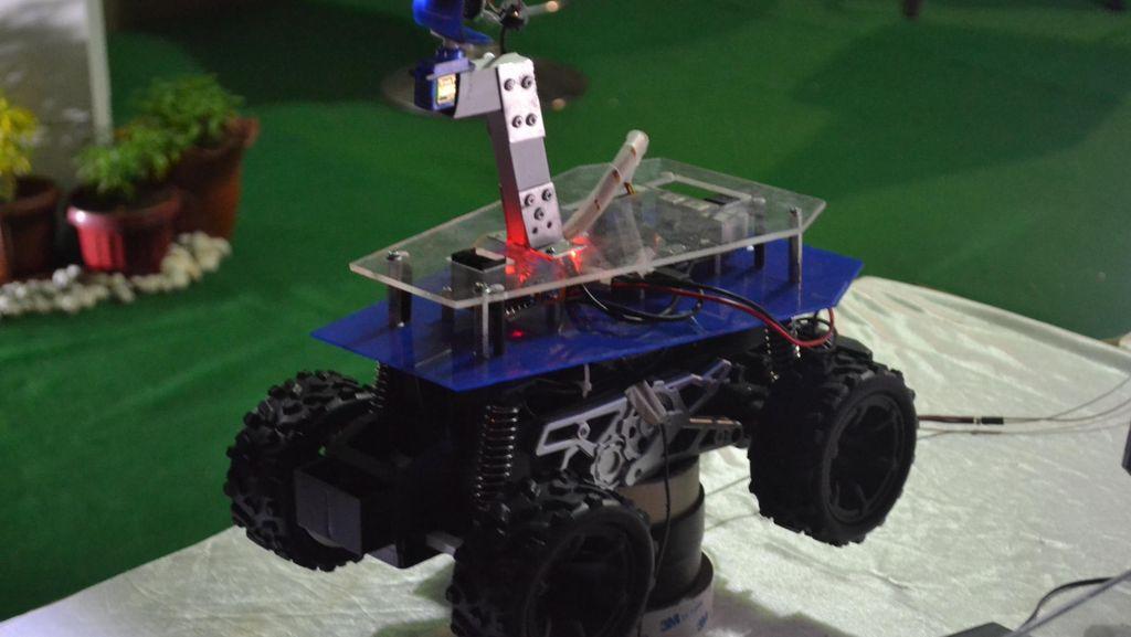 Ini Rotasi, Robot Buatan Mahasiswa Aceh yang Bisa Dipakai Cari Korban Bencana
