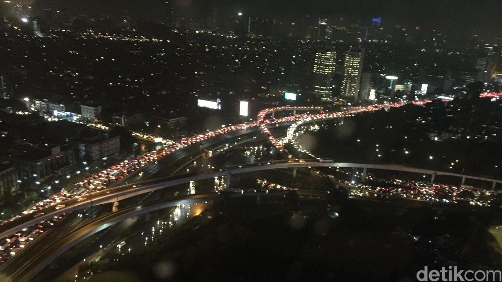Begini Kondisi Kemacetan Parah di Simpang Susun Tomang