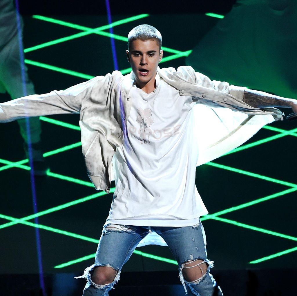 Justin Bieber Pecahkan 8 Rekor Dunia
