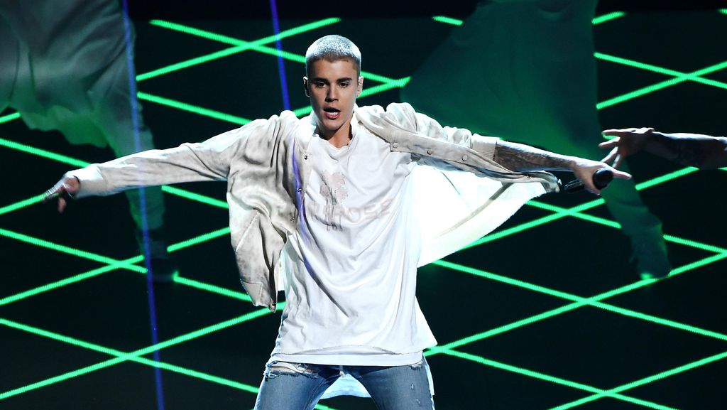 Instagram Diretas, Mantan Pacar Unggah Foto Syur Justin Bieber