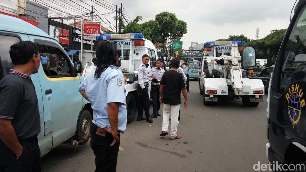 Sudinhubtrans Jaksel Batal Tertibkan Mikrolet M 44 karena Diteriaki Sopir