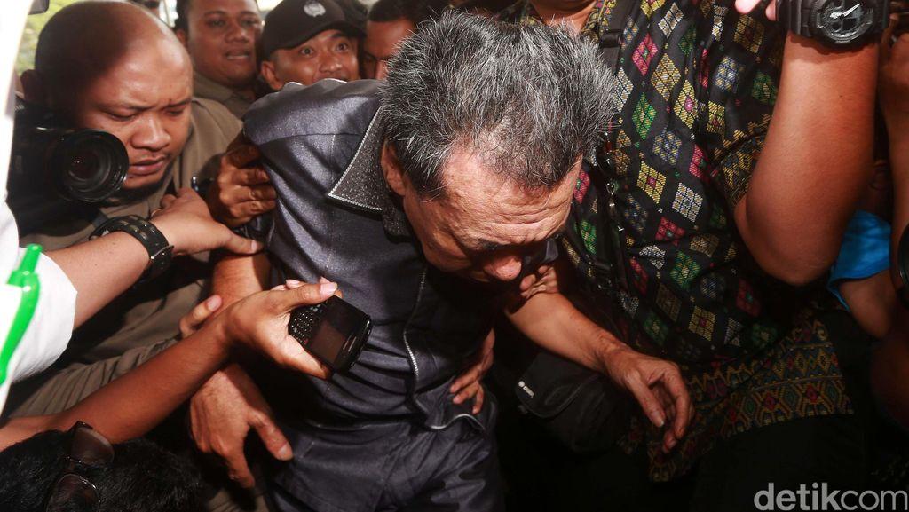 Ketua PN Kepahiang yang Terjaring OTT Tiba di KPK