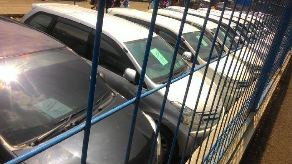 Modus Rental Mobil, 2 Pria di Depok ini Gelapkan 20 Mobil