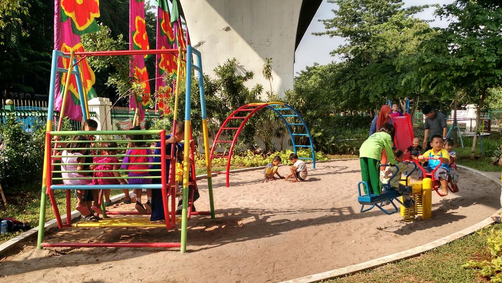 Ahok Resmikan RPTRA Karang Anyar, Hasil CSR Agung Podomoro
