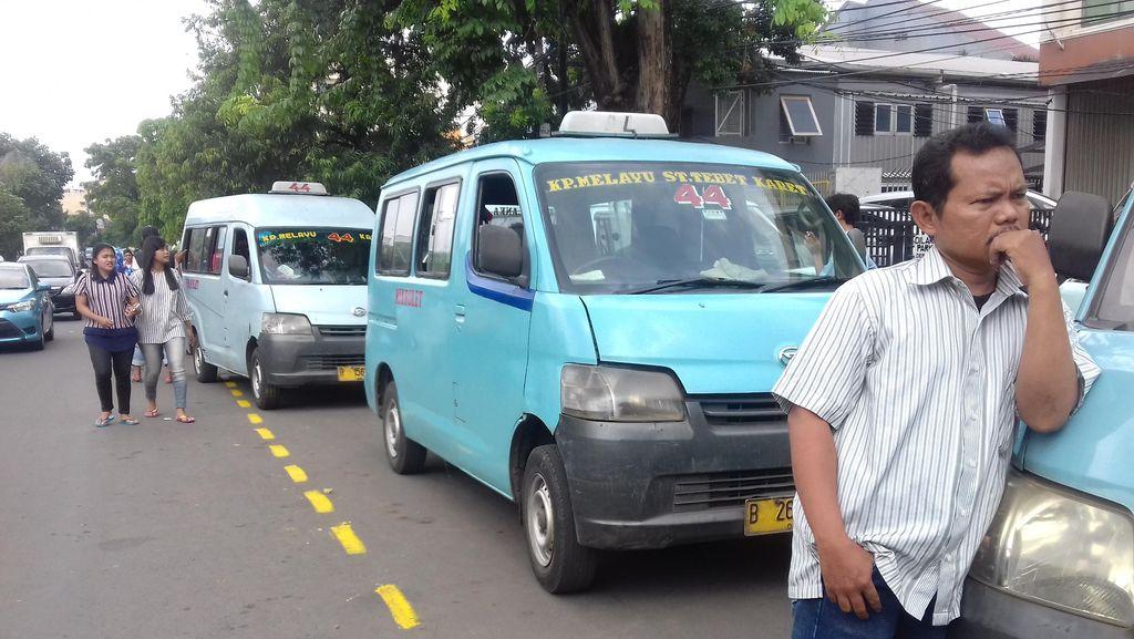 Dishub Sediakan Jalur Ngetem Khusus Mikrolet 44 di Jl Abdullah Syafii