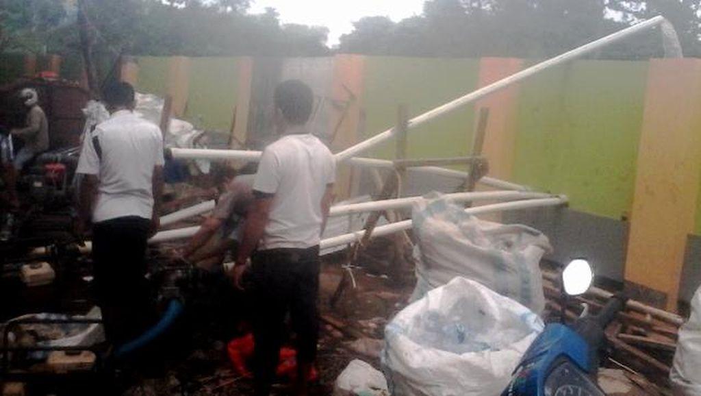 2 Pompa Sedot Banjir di Pasar Cipulir