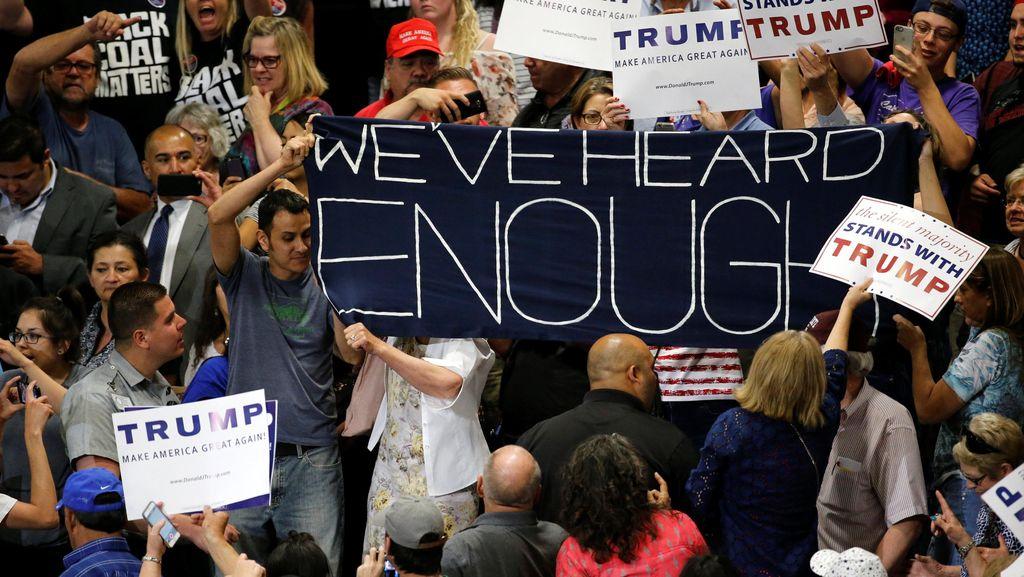 Bentrokan Saat Kampanye Donald Trump di New Mexico, Polisi Dilempari Batu