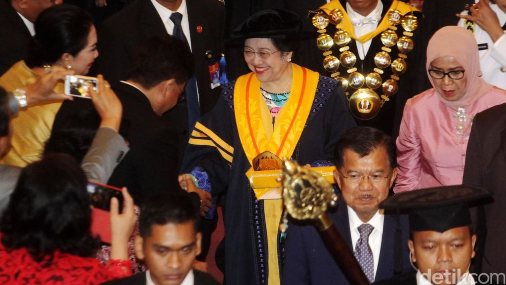 Megawati Raih Gelar Doctor Honoris Causa dari Unpad