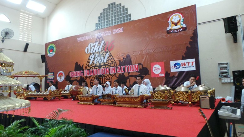 Pelajar Indonesia di Malaysia Antusias Unjuk Kebolehan di Depan Ketua MPR