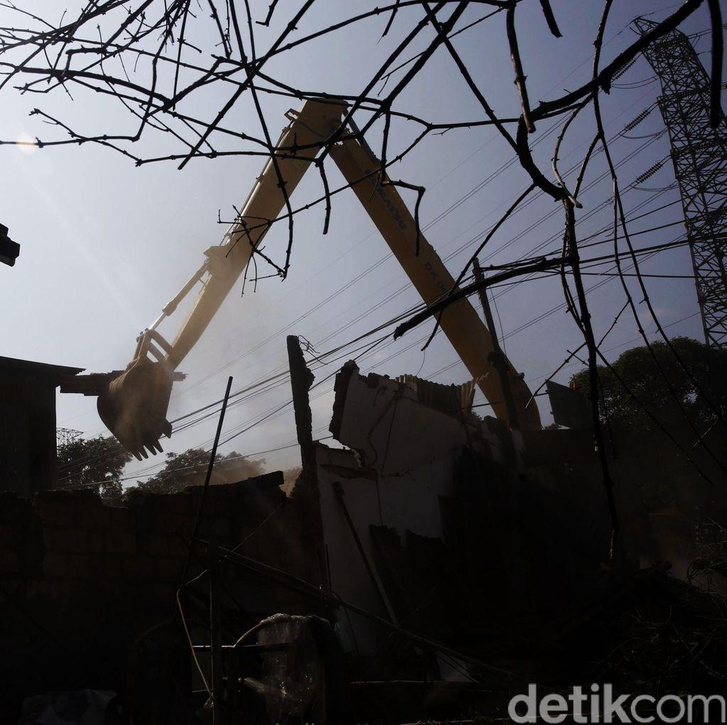 Penertiban Bangunan Liar di Jakarta Timur