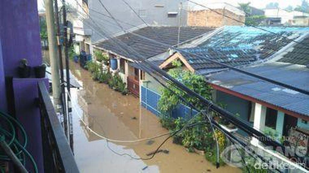 Perumahan Bukit Sawangan Indah, Depok Tergenang 50 Cm Sejak Semalam