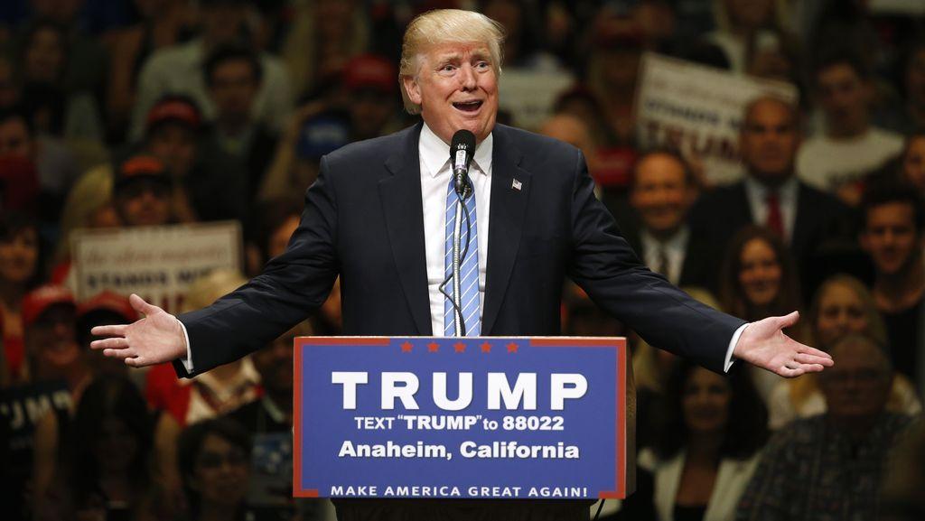 Donald Trump Pecat Direktur Politik Tim Kampanyenya