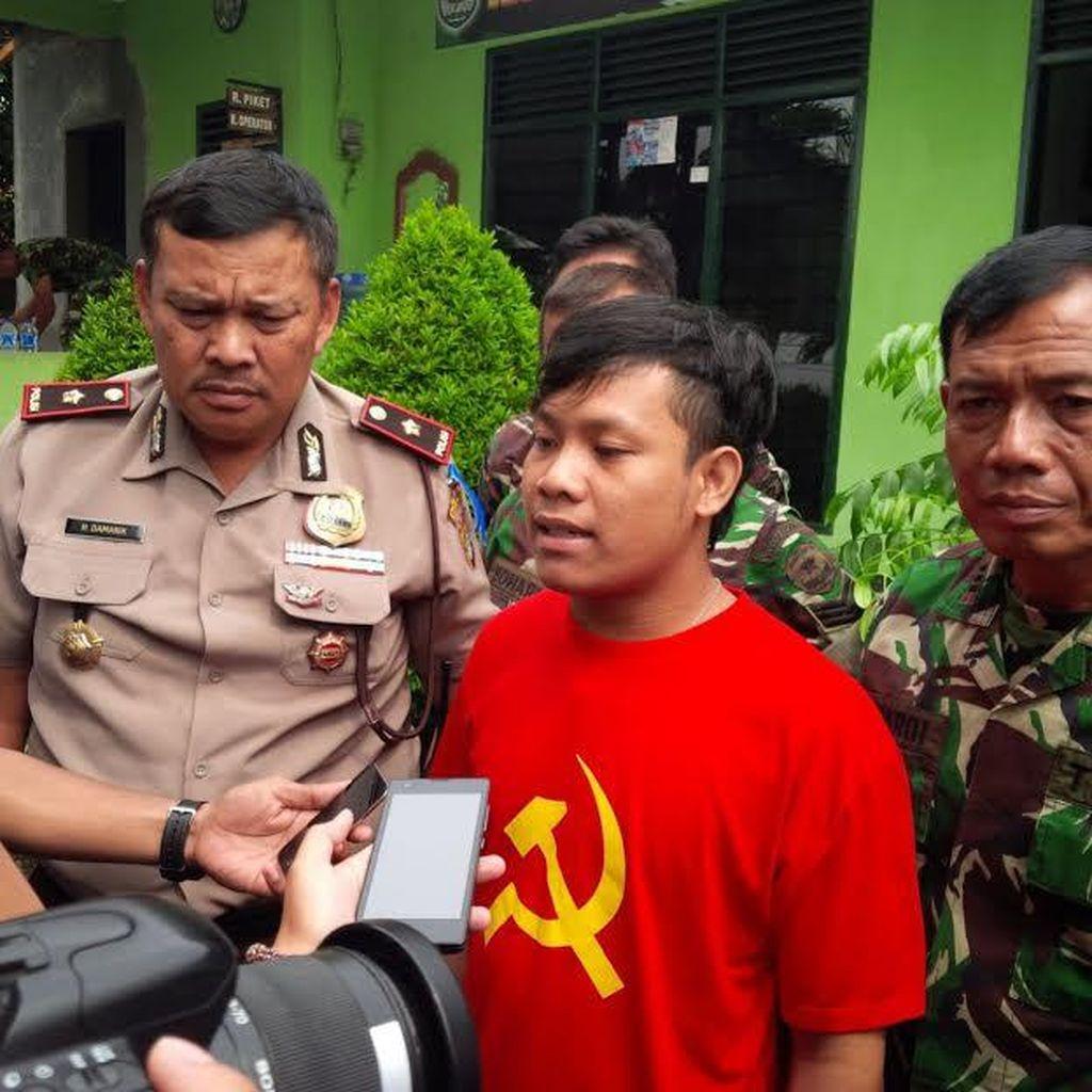 Kuli Bangunan di Ciputat ini Diamankan TNI karena Pakai Kaos Palu Arit