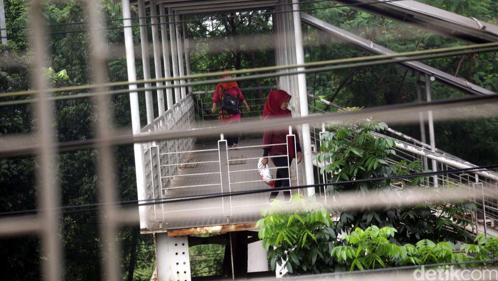 Biar Tak Bayar Rp 2 Ribu, Stasiun Tj Barat Dorong Pemprov DKI Bangun JPO Nyambung