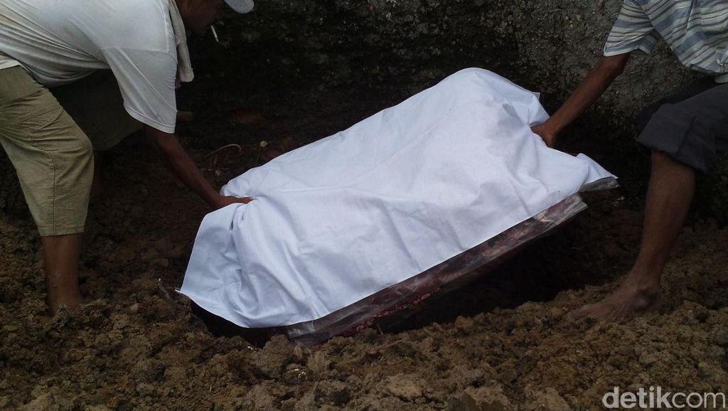 Ada Wasiat dari Almarhumah Eno Korban Pembunuhan Sadis, Kasur Berdarah Dikubur